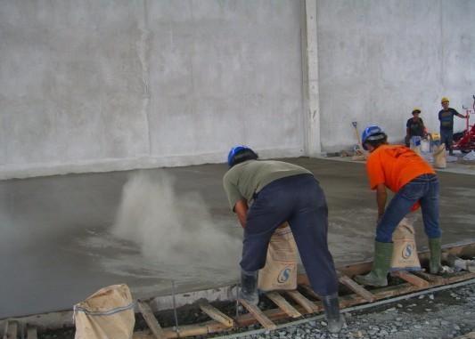 Aplikasi Material Floor Hardener